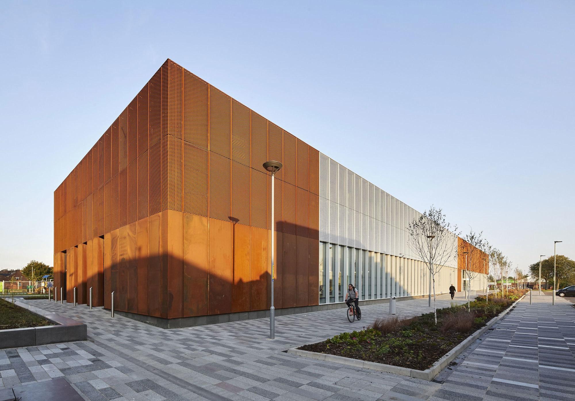 Hebburn Central: part library, part sports centre, part workplace
