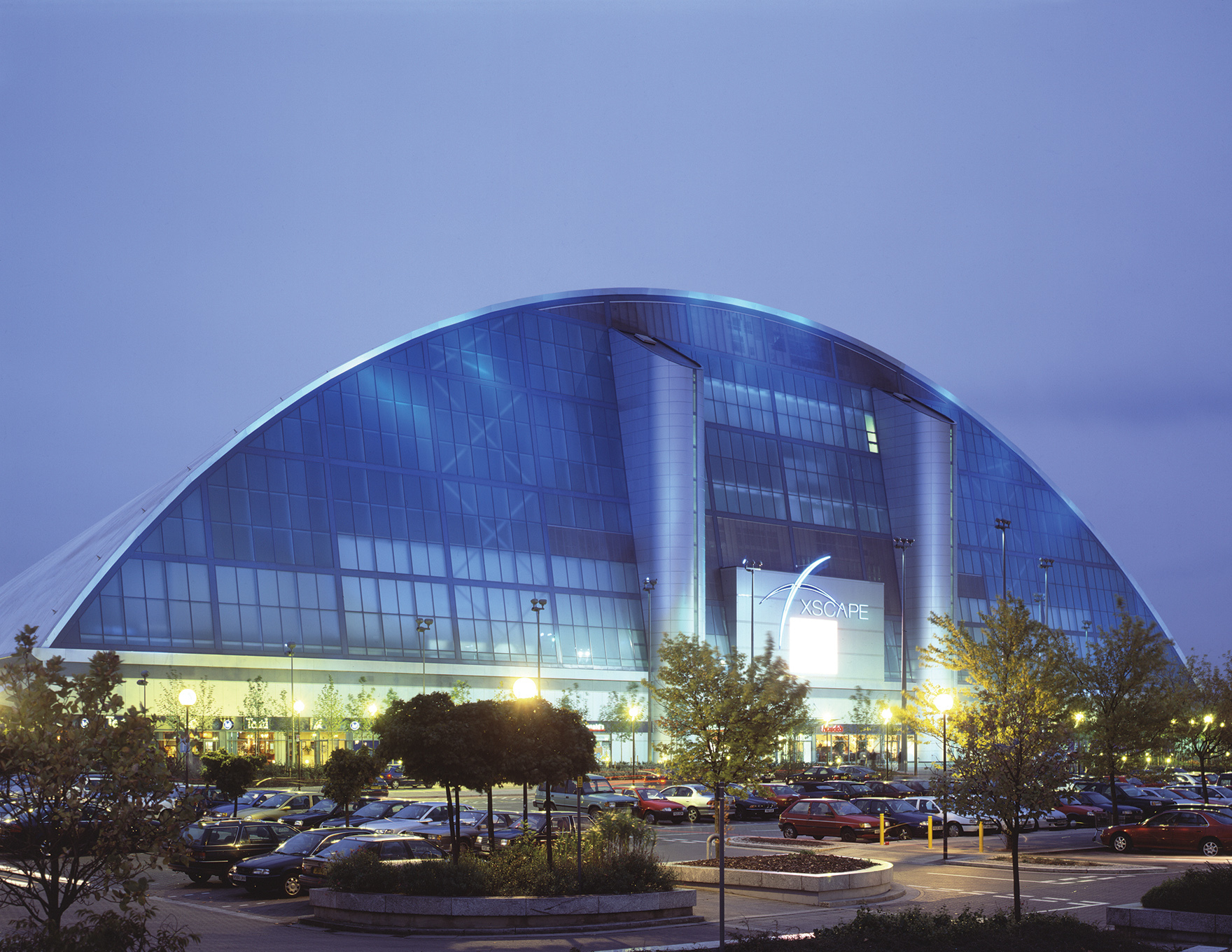 Indoor Snow Expertise Xscape Milton Keynes Dominating Facade L